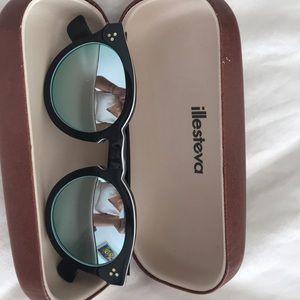 Mirrored Illesteva sunglasses